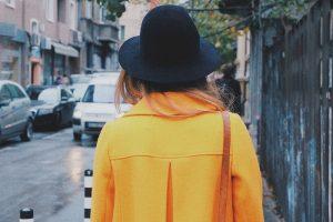 Dámske kabáty na prechádzku mestom