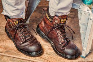 Pracovná obuv chráni aj prsty na nohách