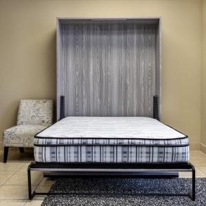 Sklápacie postele z dreva